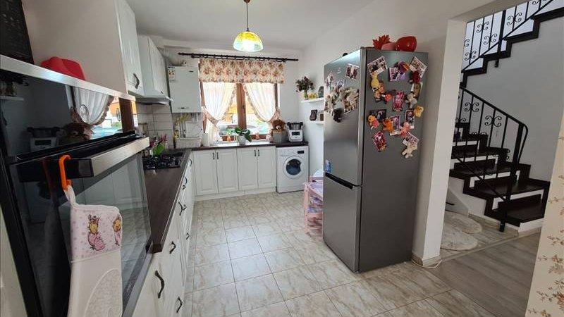 Casa tip Duplex, toate utilitatile, Sanpetru, Brasov