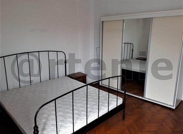 Unirii- Calea Calarasilor apartament in vila 4 camere cu garaj - imaginea 1