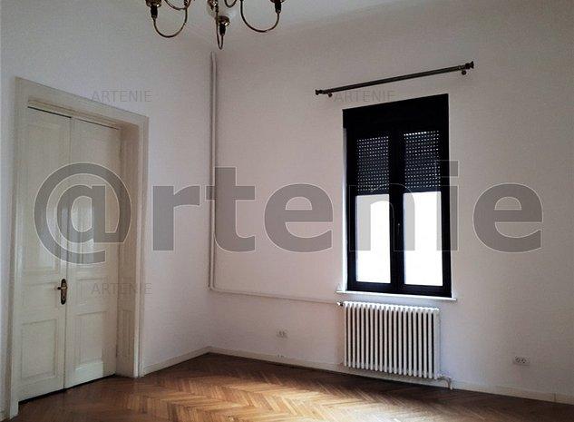 Dacia - Eminescu vila  singur curte, 8 camere pentru birouri - imaginea 1