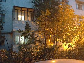 Apartament de vânzare 3 camere în Barlad, Central