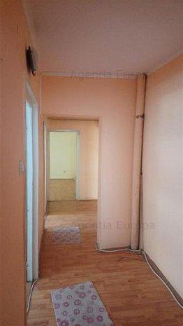 Apartament 4 camere de vanzare zona Piata Noua - imaginea 1