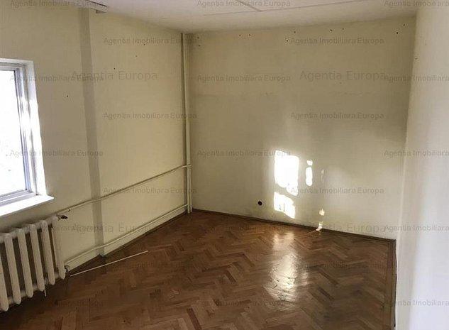 Apartament 3 camere Zona Centrala - imaginea 1