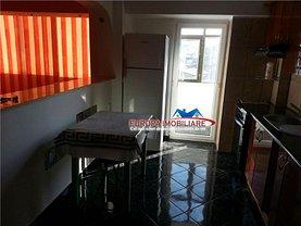 Apartament de vânzare 3 camere, în Tulcea, zona Pelican