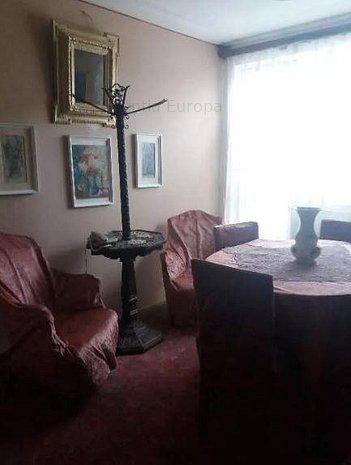 Apartament 3 camere zona ultracentrala - imaginea 1