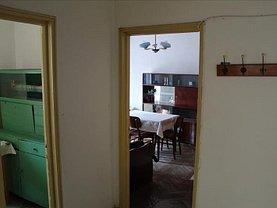Apartament de vânzare 3 camere, în Tulcea, zona Piata Veche