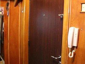 Apartament de vânzare 4 camere, în Tulcea, zona Pelican