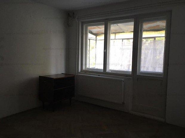 Apartament 3 camere zona Neptun - imaginea 1