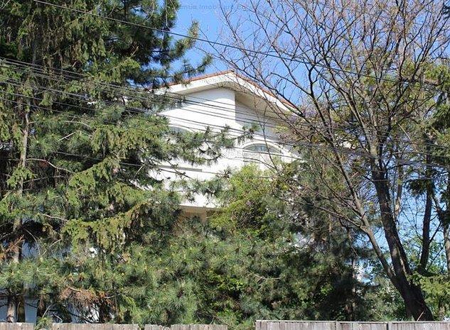 Casa D+P+1E+M zona ultracentrala - imaginea 1