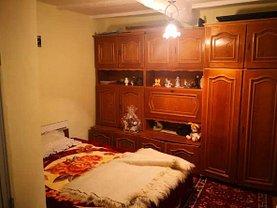 Casa de vânzare 4 camere, în Mineri, zona Central