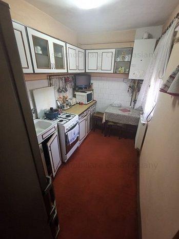 Apartament cu o camera la etajul 2 al unui bloc izolat termic - imaginea 1