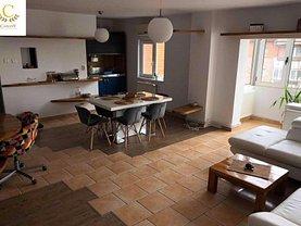 Apartament de vânzare 3 camere, în Timisoara, zona Fabric