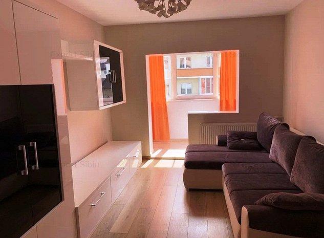 INCHIRIEZ apartament 4 camere deconandat de lux,zona Strand - imaginea 1