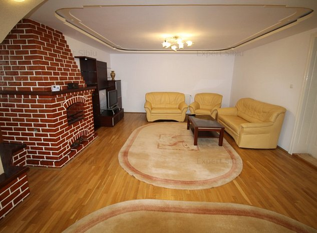 INCHIRIEZ apartament 3 camere decomandat, renovat,zona Centrala - imaginea 1