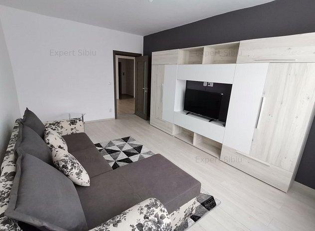 INCHIRIEZ apartament 2 camere dec,recent renovat,zona Centrala - imaginea 1