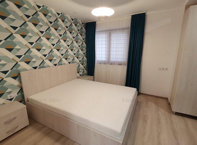 INCHIRIEZ apartament 3 camere,renovat recent, zona Vasile Aaron - imaginea 1