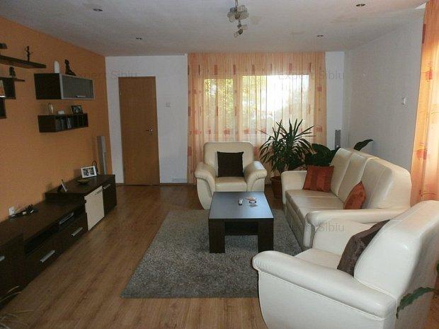 INCHIRIEZ casa 3 camere,renovata,zona Calea Poplacii - imaginea 1