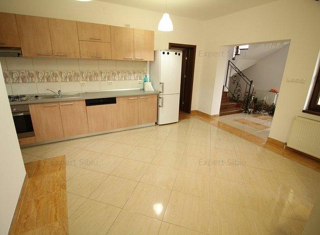 INCHIRIEZ vila 5 camere, P+E,zona Trei Stejari  - imaginea 1