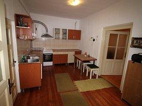 Casa de vânzare sau de închiriat 3 camere, în Sibiu, zona Central