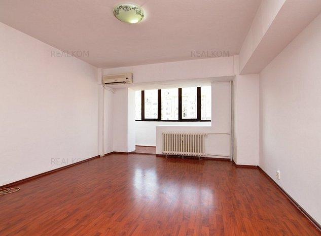 www.RealKom.ro: Apartament 3 camere de inchiriat Decebal
