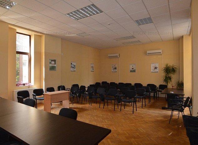 Cladire de birouri inchiriata, pentru investitie - imaginea 1