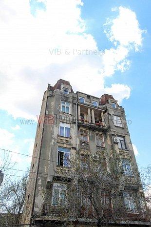 3 balcoane- Apartament in imobil vechi- : 3 balcoane- Apartament in imobil vechi- Grivitei