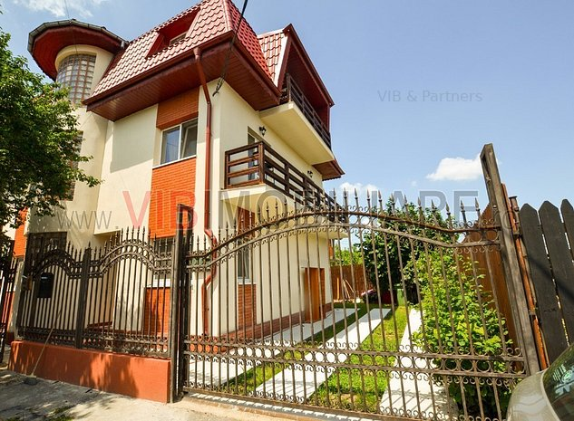 Vila 8 camere Metrou Aparatorii Patriei : Casa 8 camere decomandate Metrou Aparatorii Patriei