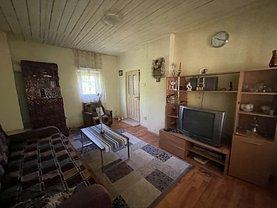 Casa de vânzare 3 camere, în Nuci