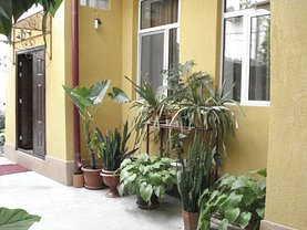 Casa de vânzare 5 camere, în Bucureşti, zona Romană