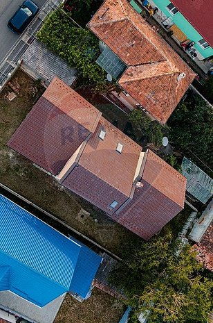 Casa / Vila cu 7 camere de vanzare in zona Dambul Rotund - imaginea 1