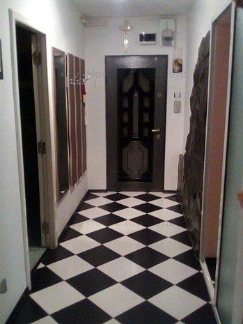 Apartament 3camere modern mobilat/utilat zona CernaTractorul - imaginea 1
