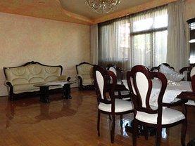 Casa de vânzare 8 camere, în Bucureşti, zona Berceni