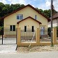 Casa de vânzare 4 camere, în Şanţu-Floreşti