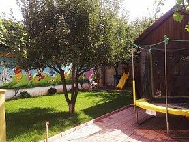 Casa de vânzare 6 camere, în Rosu