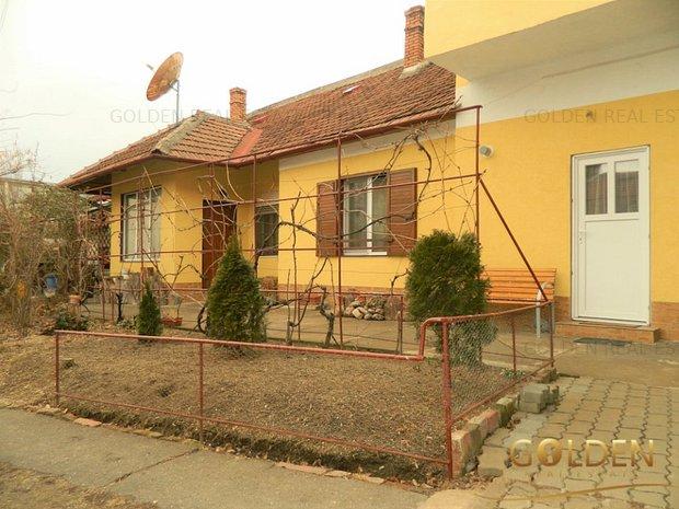 Vand apartament la casa, 5 camere, Central, 180 mp, 2 garaje - imaginea 1