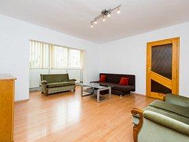 Apartament de închiriat 3 camere, în Arad, zona Confectii