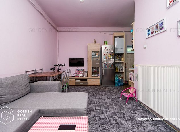 Apartament 3 camere la casa, Aradul Nou, decomandat, centrala pe gaz - imaginea 1