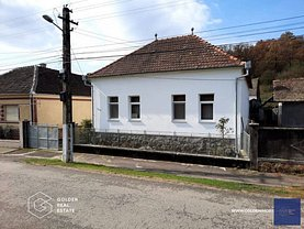 Casa de vânzare 3 camere, în Lipova, zona Central