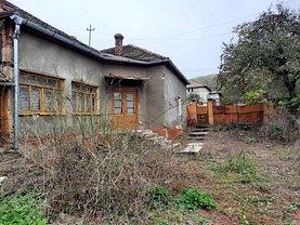 Casa de vânzare 3 camere, în Ghioroc