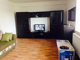 Apartament de vânzare 3 camere, în Piatra-Neamţ, zona Calea Romanului