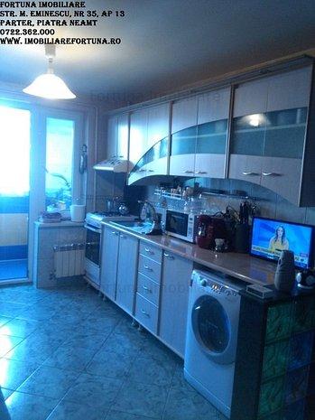 Apartament 3 camere, zona Centrala - imaginea 1