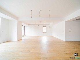 Apartament de vânzare 3 camere, în Braşov, zona Schei