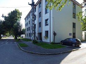 Apartament de vânzare 3 camere, în Targu Mures, zona Unirii