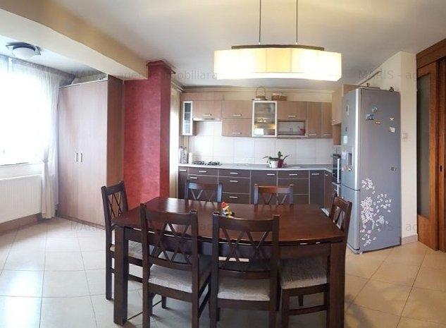 Inchiriere apartament 3 camere, confort sporit B.dul Pandurilor - imaginea 1