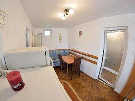 Casa 4 camere în Tarlungeni, Central