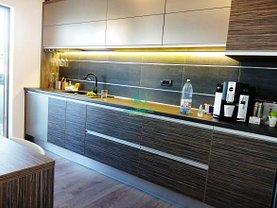 Apartament de închiriat 4 camere, în Pitesti, zona Teilor