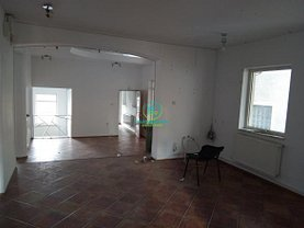 Casa de închiriat 6 camere, în Pitesti, zona Trivale