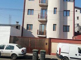 Casa de vânzare 12 camere, în Bucureşti, zona Colentina