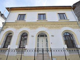 Casa de închiriat 12 camere, în Bucuresti, zona Universitate