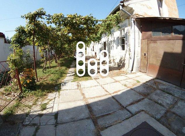 Casa cu teren de 906 mp, zona centrala - imaginea 1