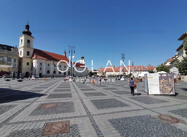 Spatiu comercial sau de birouri de inchiriat in Piata Mare din Sibiu - imaginea 1